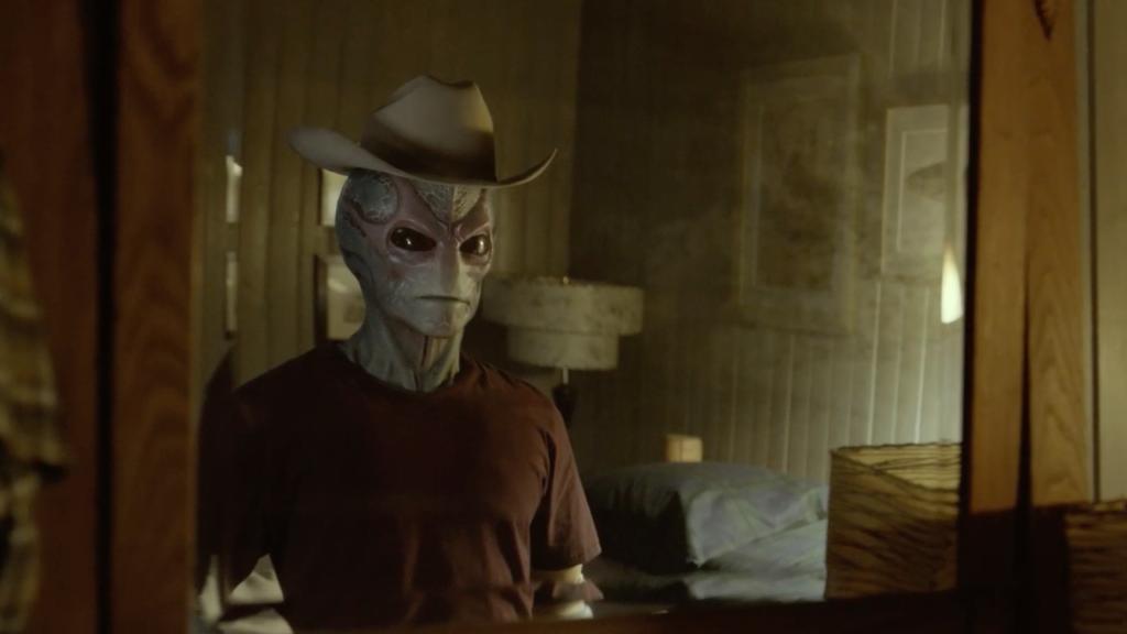 Alan Tudyk fala sobre interpretar um 'resident alien' e explorar a história do K-2SO 17