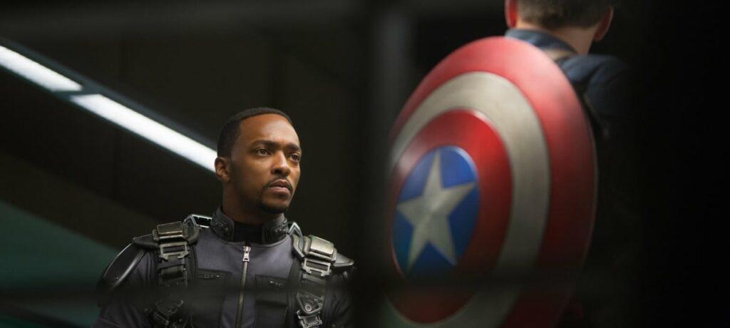 Capitão América: 7 momentos que mostraram que o Falcão era digno do escudo 19