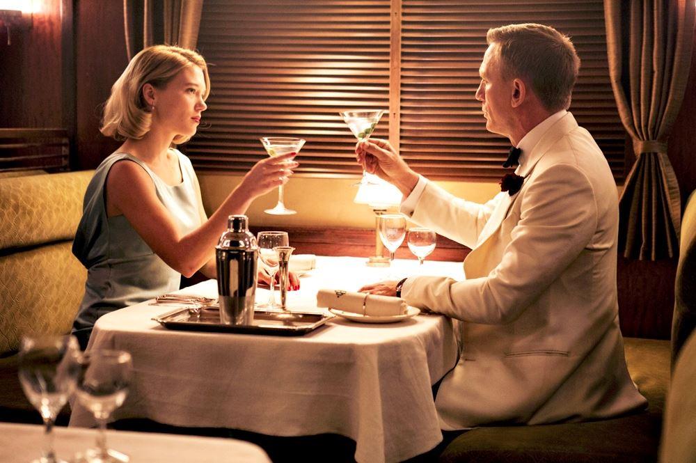 Quanto James Bond gastaria com despesas? 19
