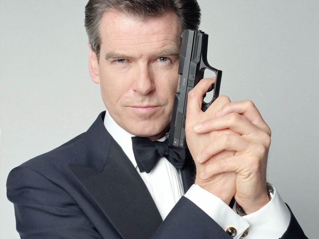 Quanto James Bond gastaria com despesas? 16