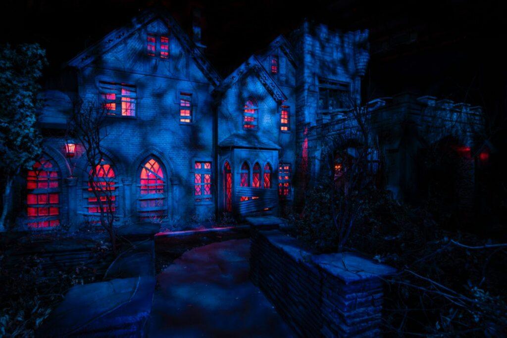 Halloween: Comemorando 30 anos de noites de terror com Leatherface e Beetlejuice 35