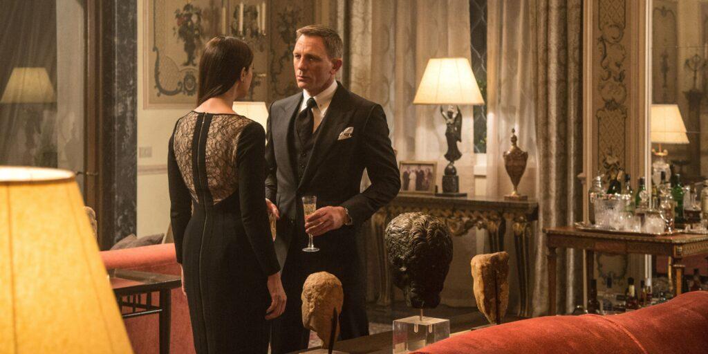 Quanto James Bond gastaria com despesas? 21